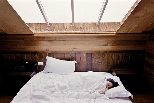 3 tehnologii ce îți pot oferi un somn mult mai bun